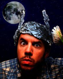 10 idei iraționale susținute de stânga și de dreapta